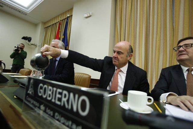 Luis de Guindos comparece en el Congreso