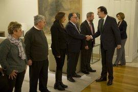 """Rajoy se compromete a dar """"satisfacción moral y jurídica"""" a las familias del Yak 42"""
