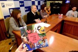 Un libro-guía recoge 13 murales grafitis realizados por jóvenes artistas en cuatro distritos de Málaga capital