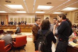 Unidos Podemos y En Comú presentan mañana su propuesta para que el Congreso permita referendos