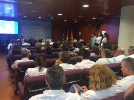 """Cerca de 200 profesionales del Departamento de La Ribera crean una asociación para defender el """"modelo Alzira"""""""