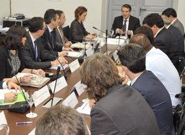 Gamarra destaca la importancia de abordar conjuntamente la reforma de la financiación local y la autonómica