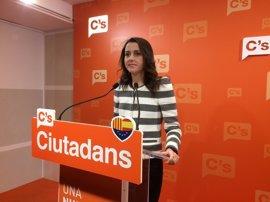 Inés Arrimadas abordará este miércoles con Santamaría financiación, Rodalies y Corredor Mediterráneo