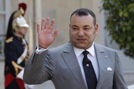 """El rey de Marruecos resalta que """"vuelve a casa"""" tras ocupar su escaño en la Unión Africana"""