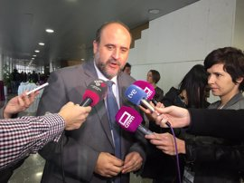 """Junta dice que ha cumplido el 58% de los casi mil """"compromisos"""" adquiridos por Page"""
