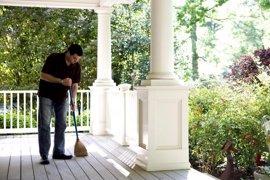Demuestran que las tareas domésticas podrían mejorar la salud cardiovascular de hombres obesos