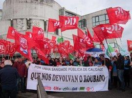 """Trabajadores del Sergas reclaman a la Xunta la recuperación de los salarios """"robados"""""""