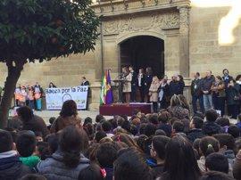 Escolares de Baeza (Jaén) participan en el acto provincial del Día de la Paz y No Violencia