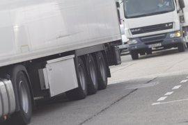 Se reduce a la mitad el aparcamiento de camiones en la zona más cercana a viviendas en Las Tejeras