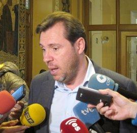 """Puente cree que debe """"mojarse"""" con el apoyo a Sánchez y entiende la neutralidad a Tudanca"""
