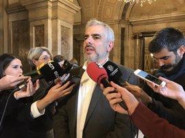 """Cs ve un """"acto de agitación y propaganda"""" la recepción de Puigdemont a los cónsules"""