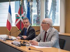 """Urkullu y Etchegaray piden a los Estados su implicación en """"un final ordenado de la violencia"""" y el desarme de ETA"""