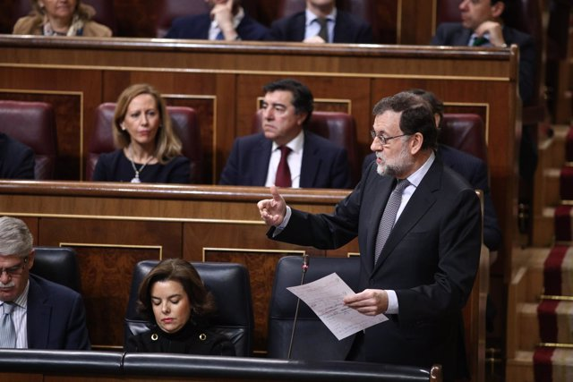 Rajoy y Soraya Sáenz de Santamaría en el Congreso