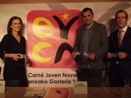 El INDJ renueva el convenio de carné joven con Caja Rural y Caixa Bank