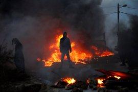 Policía y colonos se enfrentan por el desalojo del asentamiento israelí de Amona