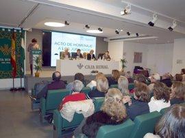 Distrito Sanitario Sevilla homenajea a los 92 profesionales que se jubilaron el año pasado