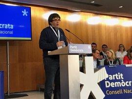 """Puigdemont ironiza: """"Lo hemos entendido: para hacer una tortilla hay que desprecintar los huevos"""""""