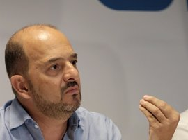 Cardona acusa a Antona de utilizar el aparato del PP de Canarias para consolidar su Presidencia