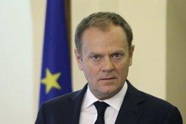 Tusk avisa a Libia de que debe cerrar ya la ruta migratoria hacia Italia