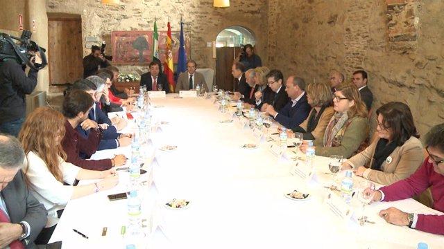 Reunión del Pacto por el Ferrocarril con el ministro de Fomento en Garrovillas