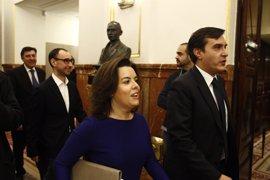 """Santamaría pide a Puigdemont sumarse al diálogo pero avisa: """"Cuando se vulnera la legalidad, se repone"""""""