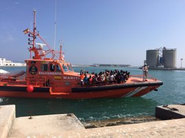 Plata: Interior deberá acondicionar el local cedido por el Puerto para la atención de inmigrantes llegados en patera