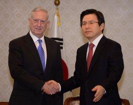 """Mattis asegura que trabajará """"codo con codo"""" con Seúl para hacer frente a Pyongyang"""