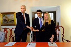 El Museo Carmen Thyssen Málaga firma un convenio de colaboración con la embajada danesa