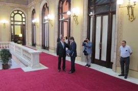 Puigdemont hará el lunes una declaración institucional antes de acompañar a Mas al juicio