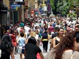 La mitad de los españoles cree que la sociedad no está suficientemente informada sobre cáncer