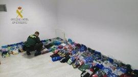 Dos detenidos por vender prendas falsas valoradas en 8.000 euros en Valdefuentes