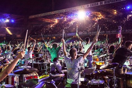 VÍDEO: 1.200 músicos tocan a la vez y en directo Smells like teen spirit de Nirvana