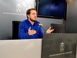 """PSOE Albacete lamenta que los trabajadores municipales estén """"tres meses más"""" sin servicio de vigilancia de salud"""