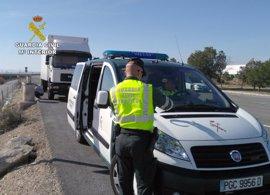 La Guardia Civil intercepta a un camionero que conducía bajo los efectos de las drogas