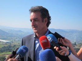 """El consejero Martín dice que habrá """"bastantes buenas noticias"""" en la industria cántabra"""