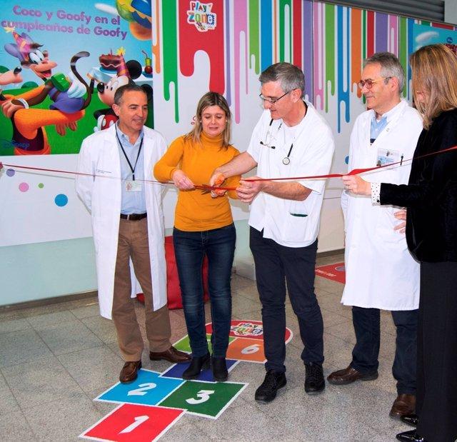 El Hospital Sant Joan de Reus y Lilly instalan una zona de juegos educativa para