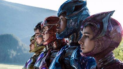 Los Power Rangers exhiben sus Zords en el nuevo cartel de la película