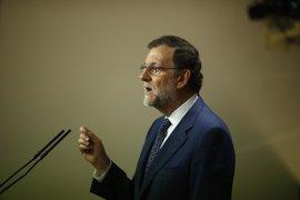 Rajoy exige al Gobierno catalán respeto a la Ley e insiste en ofrecer diálogo