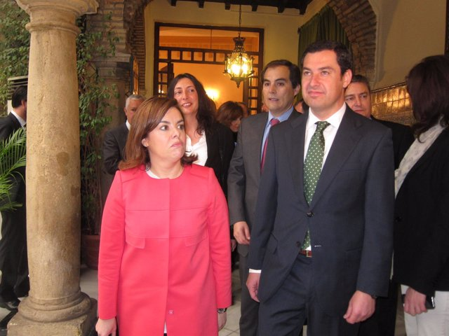 Soraya Sáenz de Santamaria junto a Juanma Moreno