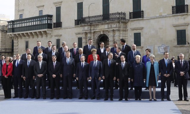 Foto de familia de los líderes de la UE en Malta