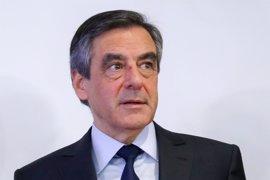 Fillon se descuelga de Le Pen y Macron