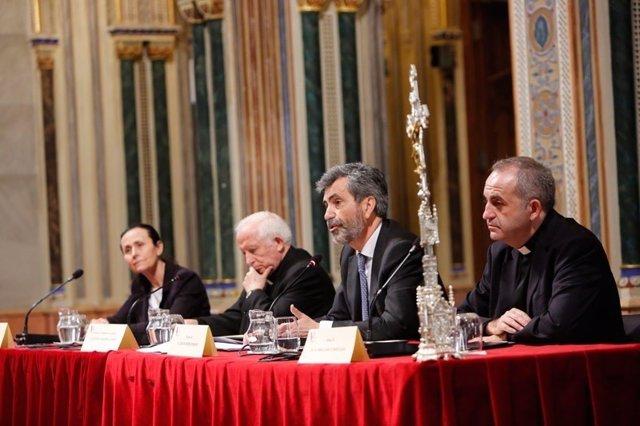 Cañizares y Lesmes en el centro de la imagen