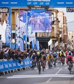 Magnus Nielsen vence en la tercera etapa de la Volta a la Comunitat Valenciana