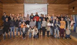 Logroño Deporte premia a los 37 mejores corredores que finalizaron el III Circuito Carreras 2016