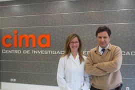 La oncóloga Elisabeth Pérez investiga en el CIMA un ensayo clínico de inmunoterapia