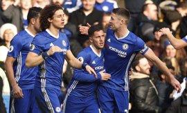 El Chelsea acelera con acento español y el Tottenham adelanta al Arsenal