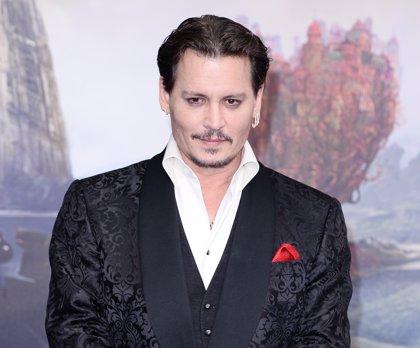 ¿Cuánto dinero se gasta al mes Johnny Depp?