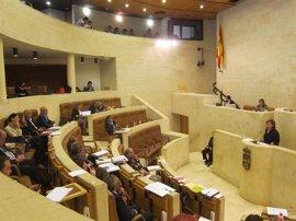 IGP de la anchoa y restricciones al matrimonio de personas con discapacidad, a debate en el Pleno