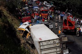 Mueren 23 personas y 35 resultan heridas en un accidente de tráfico en Honduras