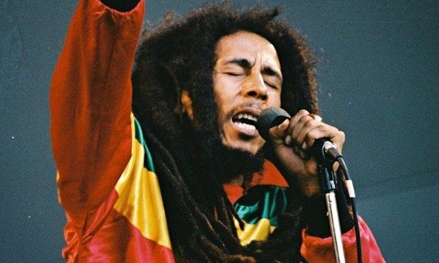 Bob Marley cantando